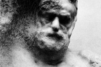 Busto di Victor Hugo. Scultura in marmo di Auguste Rodin (1894 ca.)