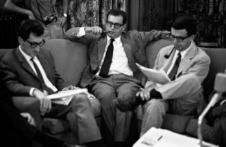 2_Edoardo Sanguineti Umberto Eco Furio Colombo. Meeting del Gruppo 63. Palemo, 1963