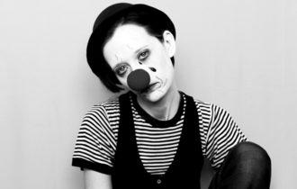 LIRICA_Self portrait as a sad clown_Foto di Anna Laviosa 2019_cover
